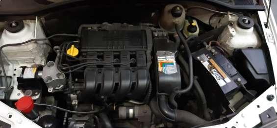 Fotos de Renault clio hatch rl 1.0 16v 5p gasolina básico 2002/2002 5