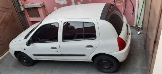 Fotos de Renault clio hatch rl 1.0 16v 5p gasolina básico 2002/2002 2